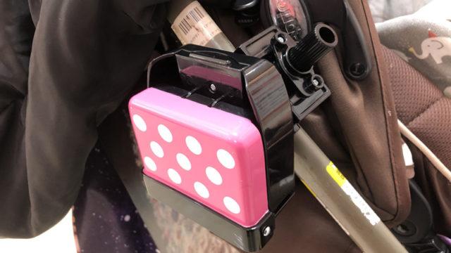 ベビーカーに取りつけるドリンクホルダーなら、たためるコンパクトなものがおすすめ!